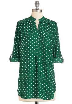 Hosting for the Weekend Tunic in Evergreen. Celebrate your family's arrival while sporting the white polka dots on this chic green top! #green #modcloth