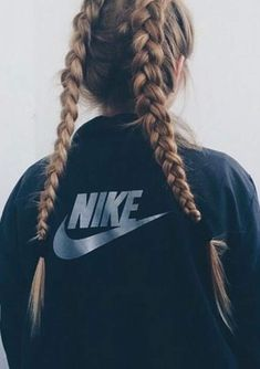 Hey hey ^-^ I decided to do an article showing you some hairstyles for workout in home, in gym, in the street :p in everywhere. I think it is usef. # Braids for sports lacrosse # Braids for sports lacrosse # boxer Braids articles Athletic Hairstyles, Sporty Hairstyles, Workout Hairstyles, Cool Hairstyles, Hairstyles Videos, Cheer Hairstyles, The Blonde Salad, Softball Hair Braids, Basketball Hairstyles