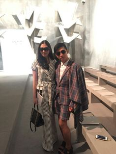 It's me Guitar here cruising Milan Fashion Week in PATINYA PRE-FALL 2015, ran into the famous, every fashion lovers favorite, blogger and influencer, Bryan Boy @bryanboycom. Always a pleasure ka! @patinyabkk @guitarpatinya #patinya #patinyabkk #fashion #dress #dresses #thaidesigners #adaptingtomotions