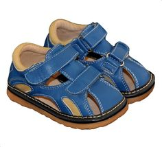 These adorable toddler boys squeaky sandals are perfect for the upcoming summer weather.