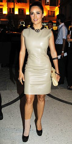 InStyle is the leading site for celebrity style. See expert fashion advice, star hairstyles, beauty tips, how-to videos and real-time red carpet coverage. Salma Hayek Style, Salma Hayek Photos, I Dress, Dress Outfits, Sexy Outfits, Selma Hayek, Leder Outfits, Latex Dress, Leather Dresses