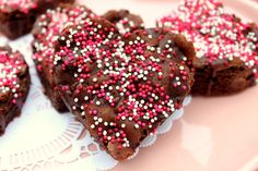 valentine heart brownies http://www.incrediblesnaps.com/valentines-day-special-recipes-desserts-and-treats