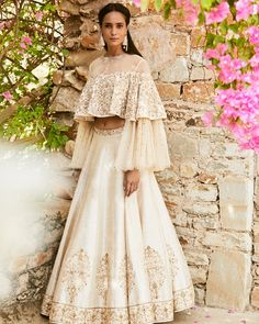 Looking for Bridal Lehenga for your wedding ? Dulhaniyaa curated the list of Best Bridal Wear Store with variety of Bridal Lehenga with their prices New Lehenga, Lehenga Style, Bridal Lehenga, Lehenga White, Indian Lehenga, Indian Wedding Outfits, Indian Outfits, Eid Outfits, Indian Dresses
