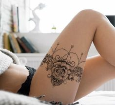 Spitze und Rose Strumpfband Tattoo Design - lace garter tattoo idea tattoos for women Sexy Tattoos, Body Art Tattoos, Sleeve Tattoos, Sexy Female Tattoos, Tattoo Drawings, Sexy Drawings, Tattoos For Females, Female Tattoo Sleeve, Bow Tattoos