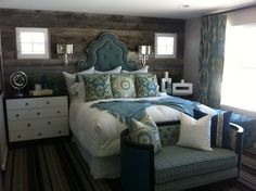decorating with barn wood walls | barn wood wall | Home Decorating Love the barn wood, headboard and lamps