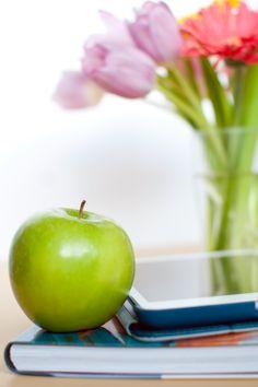10 TIPS FOR CREATING A KILLER MEDIA KIT Media Kit, Blog Tips, Fruit, Create, Blogging