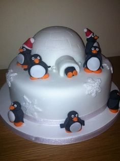 Penguin igloo cake - love this. Would make a cute Christmas cake. , Penguin igloo cake - love this. Would make a cute Christmas cake. Traditional fruit with a small chocolate igloo for the children? Christmas Cake Designs, Christmas Cake Decorations, Christmas Cupcakes, Holiday Cakes, Christmas Desserts, Christmas Treats, Xmas Cakes, Fondant Christmas Cake, Christmas Christmas