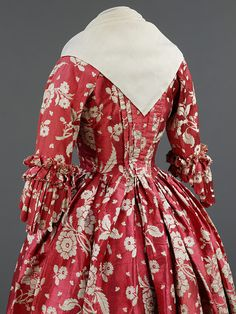 Century Costume Archives: Red Silk Robe a l'Anglais – Making History Tart & Titillating 18th Century Dress, 18th Century Costume, 18th Century Clothing, 18th Century Fashion, Vintage Outfits, Vintage Gowns, Vintage Mode, Vintage Fashion, Antique Clothing
