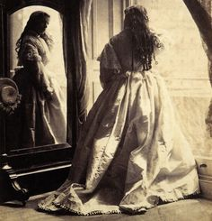 The First Ever Fashion Shoot – Beautiful Vintage Portraits Taken by Lady Clementina Hawarden in the 1860s