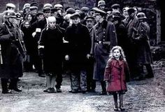Schindler's List- an amazing film. Fantastic acting by Liam Neeson, Ben Kingsley & Ralph Fiennes. Steven Spielberg at his very best. Schindler's List Movie, Schindlers Liste, Der Pianist, Steven Spielberg Movies, Gorgeous Movie, Beautiful Songs, Movie Shots, Universal Pictures, Film Stills