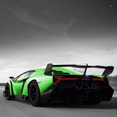 Insane Green Lamborghini Veneno