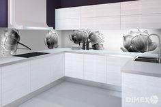 Elegantná kuchyňa v bielom prevedení doplnená o čierno-bielu fototapetu s kvetmi.   DIMEX Bathroom, Washroom, Full Bath, Bath, Bathrooms