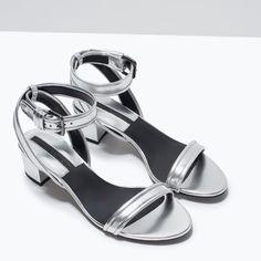 SANDÁLIA COM TACÃO MÉDIO PULSEIRA - Sandálias tacão - Sapatos - MULHER | ZARA Portugal