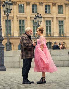 Villanelle's 21 Best Outfits From 'Killing Eve,' Because Her Style Is Just As Dramatic & Beautiful As She Is Jodie Comer, Film Serie, Fashion 2020, Punk Fashion, Lolita Fashion, Fasion, Costume Design, Her Style, Cool Outfits