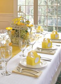 Simple tablescape from Sandra Lee. Sandra Lee Tablescapes, Yellow Bridal Showers, Bird Cage Centerpiece, Table Etiquette, Yellow Table, Cool Things To Make, Birdcage Decor, Birdcage Wedding, Table Settings
