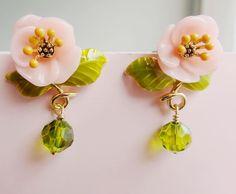 Les nereides enamel glaze vegeterians rustic beads shallow pink small flower stud earring earrings € 19,15