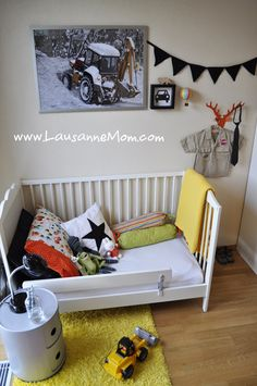 I want a couple of pennants like this in his room Boy Toddler Bedroom, Big Boy Bedrooms, Boys Bedroom Decor, Toddler Rooms, Baby Bedroom, Girl Room, Girls Bedroom, Child Room, Ikea Kids