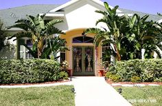 Tropical Front Yard Landscaping Ideas with Palm Trees Tropical Landscaping, Landscaping With Rocks, Front Yard Landscaping, Landscaping Ideas, Landscape Design Plans, Photo Tree, Beautiful Homes, Trees Beautiful, Palm Trees