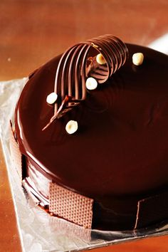 Gourmet Baking: A Series of Chocolate Hazelnut Mousse Cake (a.k.a Ferrero Rocher Cake)