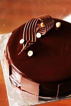 Gourmet Baking: A Series of Chocolate Hazelnut Mousse Cake (a.k.a Ferrero Rocher Cake)
