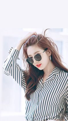 Top 20 Busty Teenage Girls with Sunglasses Wallpapers Stylish Girl Images, Stylish Girl Pic, Bae Suzy, Photos Of Women, Girl Photos, Miss A Suzy, Girl With Sunglasses, Girl Attitude, Girl Photo Poses