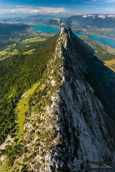 Au dessus du Roc des boeufs - Lac d'Annecy, Haute-Savoie, France.