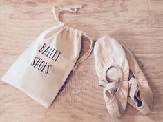 Our drawstring shoe bag is the perfect solution for keeping your shoes together, and also keeping them separate from everything else in your dance bag! * Bag is lightweight cotton in natural color * B Ballet Bag, Ballet Shoes, Ballerina Shoes, Fendi 2jours, Dance Gear, Dance It Out, Dance Stuff, Dance Tops, Models