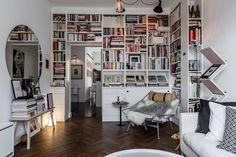 Amazing apartment full of books, design & art