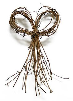 Natural Grapevine Twig Bow - Fall Florals - Fall and Thanksgiving - Holiday Crafts Twig Crafts, Nature Crafts, Fall Crafts, Holiday Crafts, Rama Seca, Willow Weaving, Willow Branches, Holiday Wreaths, Dried Flowers