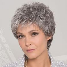 Bildergebnis für Salt And Pepper Hair Women - short hairstyles Short Thin Hair, Short Grey Hair, Very Short Hair, Short Hair With Layers, Curly Pixie Hairstyles, Mom Hairstyles, Cute Hairstyles For Short Hair, Curly Hair Styles, Pixie Haircut