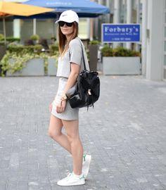 #itslilylocket #fblogger #streetstyle #nike #stansmith #minimalism #baseballcap #lucymason Stan Smith, Just Do It, Baseball Cap, Minimalism, Personal Style, Lily, Street Style, Fitness, Fashion