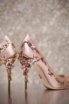 high heels – High Heels Daily Heels, stilettos and women's Shoes Pretty Shoes, Beautiful Shoes, Cute Shoes, Me Too Shoes, Fancy Shoes, Beautiful Dresses, Ralph And Russo Shoes, Ralph & Russo, Dream Shoes