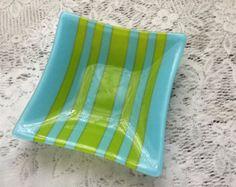 Plato de vitrofusión verde esmeralda por CookedGlassCreations
