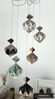 Suspension diamants de papier origami de la boutique seisaijistudio sur Etsy