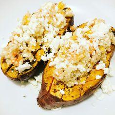 Patate douce rôtie au thym, quinoa, poivrons, pignons de pin & fêta Grains, Rice, Food, Sweet Potato, Recipes, Meals, Yemek, Laughter, Jim Rice