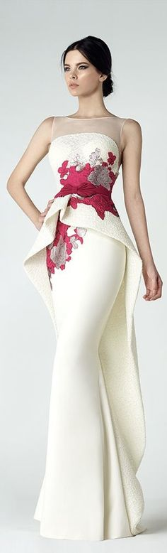 White long evening gown, different style peplum shape, white and red flower print, seuitable as alternative wedding dress as well. Illusion neckline. SK by Saiid Kobeisy FW 2016/17. Jaglady