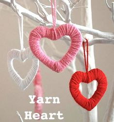 Mini Valentine's day yarn heart wreaths - romantic decor // Valentin napi szív dekoráció fonalból és kartonpapírból // Mindy - craft tutorial collection // #crafts #DIY #craftTutorial #tutorial #YarnCrafts #KreatívÖtletekFonalból