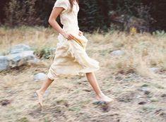 Anmutige Braut in den Bergen von Utah von Joey Kennedy Photography Movement Photography, Couple Photography, Wedding Photography, Bergen, Utah, Ethereal Wedding, Natural Wedding Makeup, Once Wed, Bridal Session
