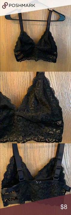 3d77c50e455c6 F21 lace bralette Black lace bralette Cute detail on sides (see pictures)  Like new