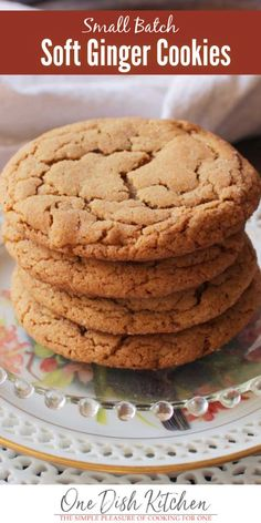 These big, soft ginger cookies are perfectly spiced and are incredibly delicious. An easy small batch cookie recipe that yields 4 spectacular cookies. Soft Ginger Cookie Recipe, Small Batch Cookie Recipe, Soft Ginger Cookies, Small Batch Baking, Ginger Molasses Cookies, Soft Batch Cookies, Recipe For 1, Recipe Ideas, Diy Cupcake