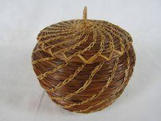 Pine Needle Crafts, Nantucket Style, Pine Needle Baskets, Bead Loom Bracelets, Pine Needles, Native American Art, Loom Beading, Classical Music, Acorn