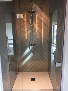 Bathroom Spa, Bathroom Interior Design, Bathroom Ideas, Restroom Remodel, Future House, Remodeling, Toilet, Sweet Home, Bathtub