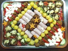 Aperitiv 2015 Party Platters, Food Design, Fruit Salad, Acai Bowl, Cookie Recipes, Goodies, Appetizers, Breakfast, Cake