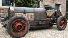 Fantastic original Dodge Baquet from 1935. Fully original and never restored. Great original looking car. Driving condition and street legal. Equipped with a 3408cc - 6 cilinder staigth six engine, 3 speed gearbox. Must see, real eye catcher and great fun to drive!