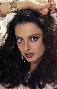 Rekha: Rekha with Curly or Free hair