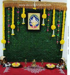 Ganpati Decoration Design, Diwali Decoration Items, Diwali Decorations At Home, Wedding Stage Decorations, Backdrop Decorations, Flower Decorations, Backdrop Design, Garland Wedding, Ganesh Chaturthi Decoration
