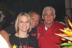 Mago, Magito, and Maguita Serving some frita sliders