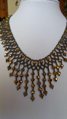swarovski Beaded Necklace Patterns, Beaded Jewelry Designs, Seed Bead Jewelry, Beading Patterns, Jewelry Patterns, Handmade Jewelry, Jewelry Crafts, Handmade Necklaces, Girls Necklaces