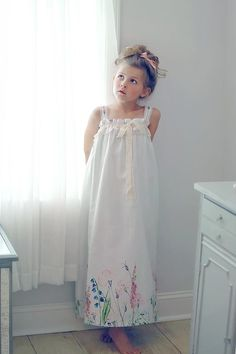 Girls Night Dress, Night Dress For Women, Gowns For Girls, Girls Dresses, Flower Girl Dresses, Night Suit, Night Gown, Asian Bridesmaid Dresses, Toddler Nightgown