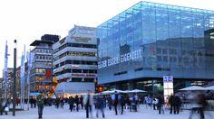"""Stuttgart Innenstadt - Buchhaus Wittwer und """"Cube"""""""